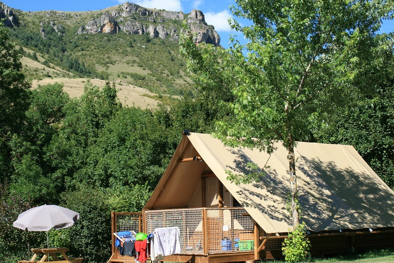 ecolodge-camping-la-Cascade