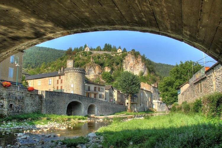 pont-Meyrueis-camping-la-cascade